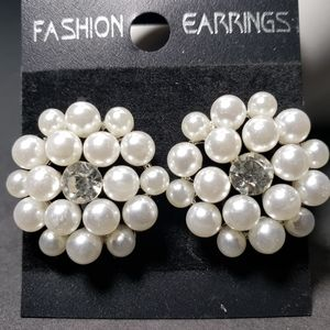 Crafted Pearl Off White-Gray Silver Tone Stud Earr